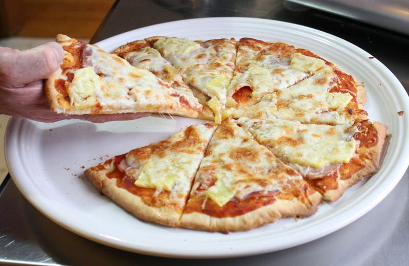 Canadian_bacon_pizza