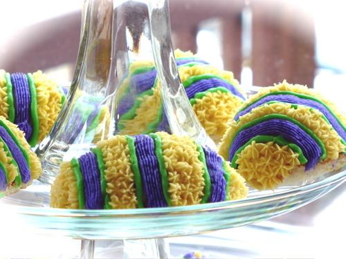 Easter Cakes - Stripes